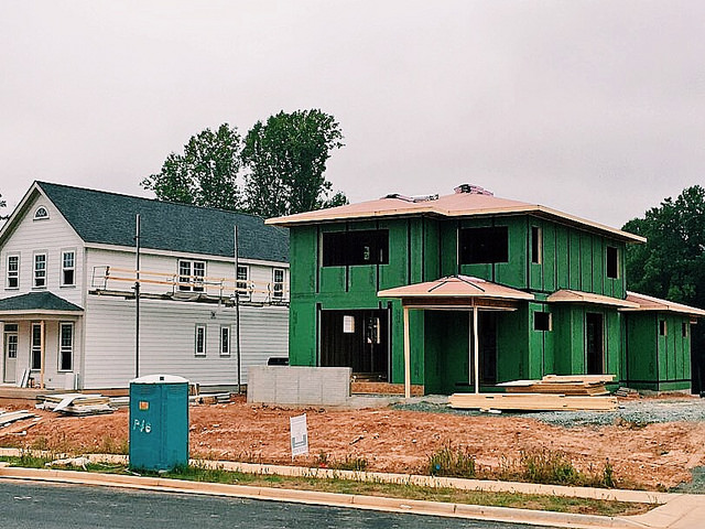 Homes Going up in Lochlyn Hill